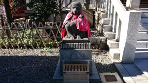 赤坂日枝神社 拝殿前神猿 (牝)