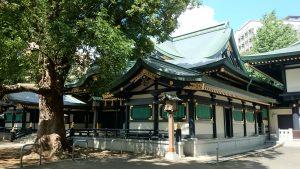 穴八幡宮 社殿