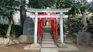 鳩森八幡神社 甲賀稲荷社 鳥居