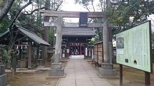 赤坂氷川 境内鳥居と手水舎