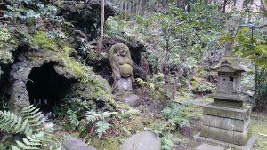 赤坂氷川神社 西行稲荷神社 狐穴