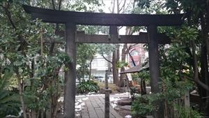 新橋塩竈神社 南側鳥居