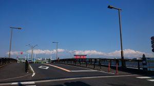 弁天橋から見た羽田平和の大鳥居