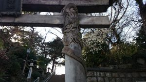 品川神社 龍鳥居 上り龍