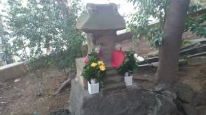 品川神社 阿那稲荷神社下社 石祠