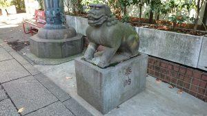 市谷亀岡八幡宮 銅鳥居前狛犬 (2)