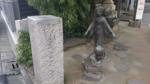 池尻稲荷神社 かごめかごめ像