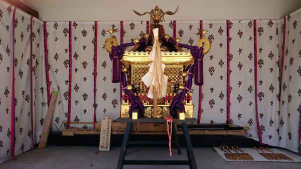 荒川区・胡録神社 本社神輿