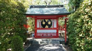 東伏見稲荷神社 拝殿横社殿