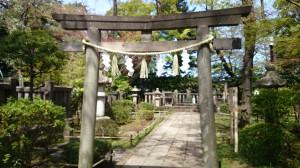 松陰神社 墓所鳥居
