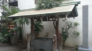 本郷櫻木神社 手水舎