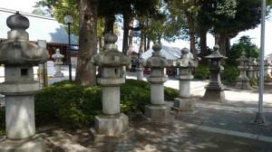 松陰神社 石灯籠群