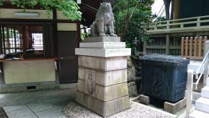 第六天榊神社 拝殿前狛犬 吽