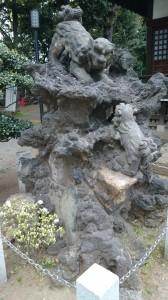 平塚神社 狛犬 (1)