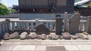 石濱神社 力石