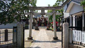 女塚神社 鳥居と社号標