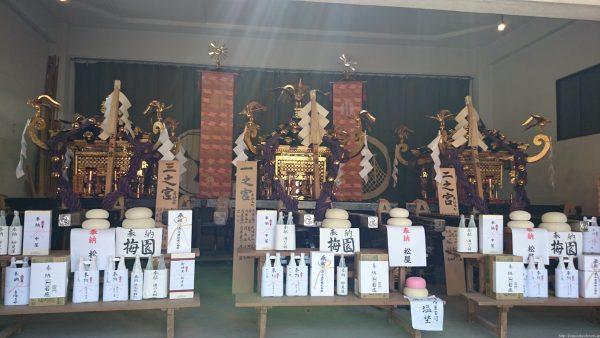 浅草神社 本社神輿 一之宮・二之宮・三之宮 浅草神社の本社神輿、一之宮・二之宮・三之宮。 ・被官