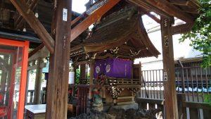 浅草神社 被官稲荷神社 社殿横