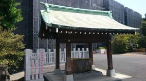 白金氷川神社 手水舎
