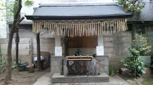 銀杏岡八幡神社 手水舎