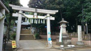 太子堂八幡神社 鳥居と社号標
