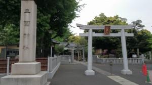 三圍神社(三囲神社) 一の鳥居