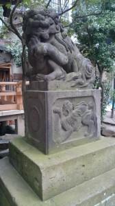 稲荷鬼王神社 狛犬 拝殿前 (2)