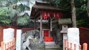 三圍神社(三囲神社) 白狐祠 (2)