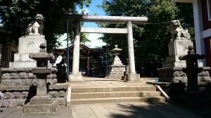 新宿諏訪神社 二の鳥居