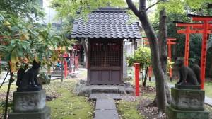 三圍神社(三囲神社) 末社 (1)