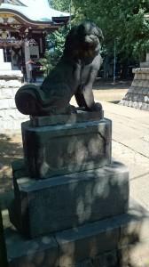 新宿諏訪神社 狛犬 (1)