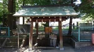 新宿諏訪神社 手水舎