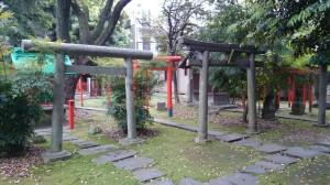 三圍神社(三囲神社) 境内社群