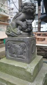 稲荷鬼王神社 狛犬 拝殿前 (1)