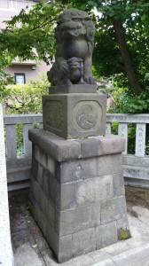 桐ヶ谷氷川神社 狛犬 (2)