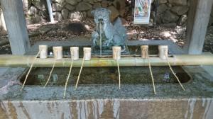 雪ヶ谷八幡神社 水鉢