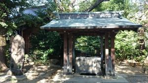 筑土八幡神社 手水舎