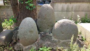 磐井神社 力石