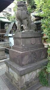 鐵砲洲稲荷神社 拝殿前狛犬 (2)
