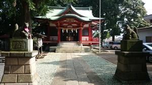 永福稲荷神社 拝殿前