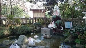 江島神社 白龍池の白龍王
