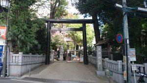 高円寺氷川神社 鳥居と社号標