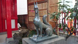装束稲荷神社 眷属狐像 (2)