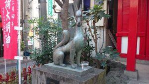 装束稲荷神社 眷属狐像 (1)
