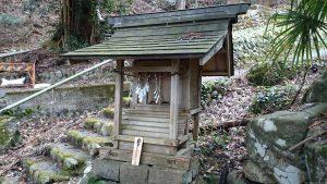 武蔵御嶽神社 滝本駅小祠 (1)