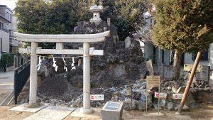 綾瀬稲荷神社 富士塚・浅間神社