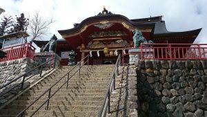 武蔵御嶽神社 拝殿前