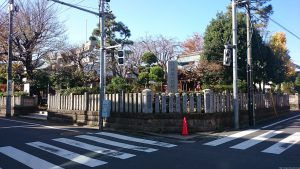 三谷八幡神社 社号標と玉垣