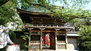 武蔵野稲荷神社 随神門内側