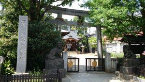 月見岡八幡神社 鳥居と社号標